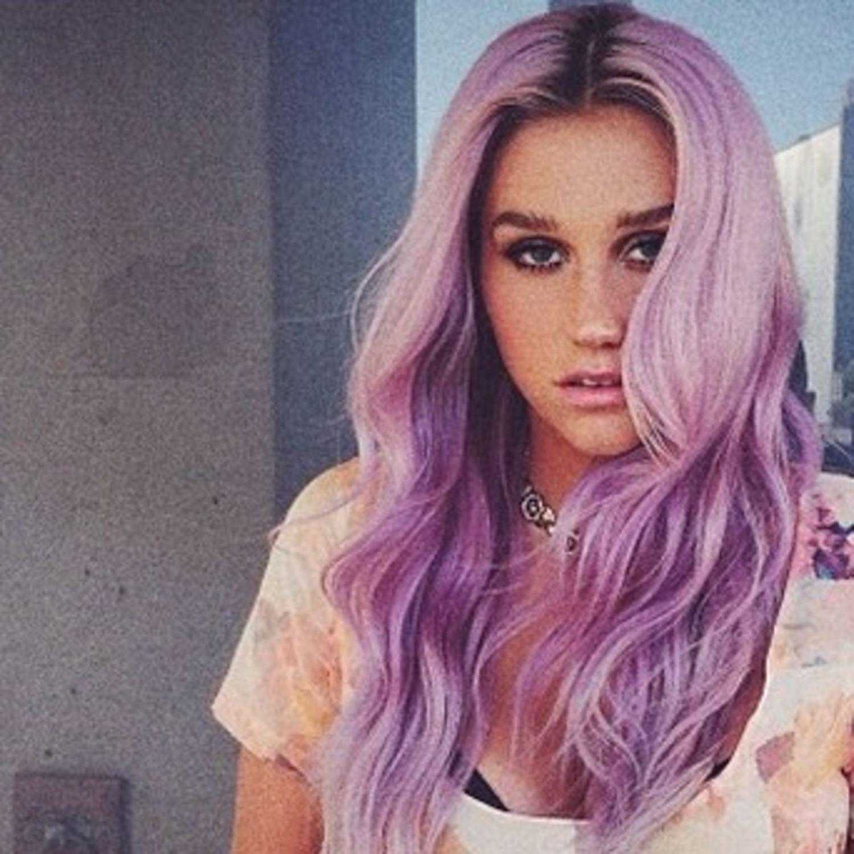 beauty-2014-07-kesha-purple-hair-main