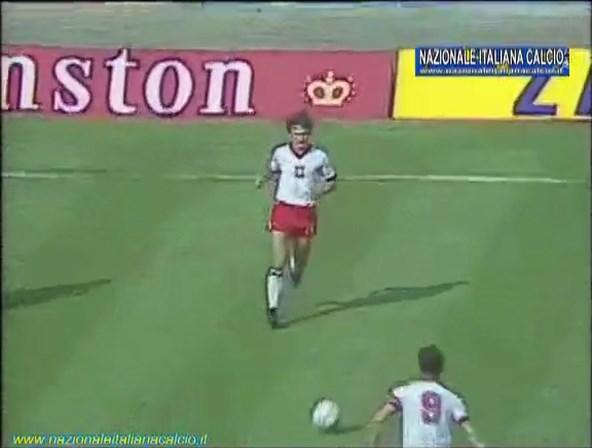 1982-07-08-WC-SF-Italy-vs-Poland-mkv-snapshot-00-02-12-2020-05-15-19-41-04