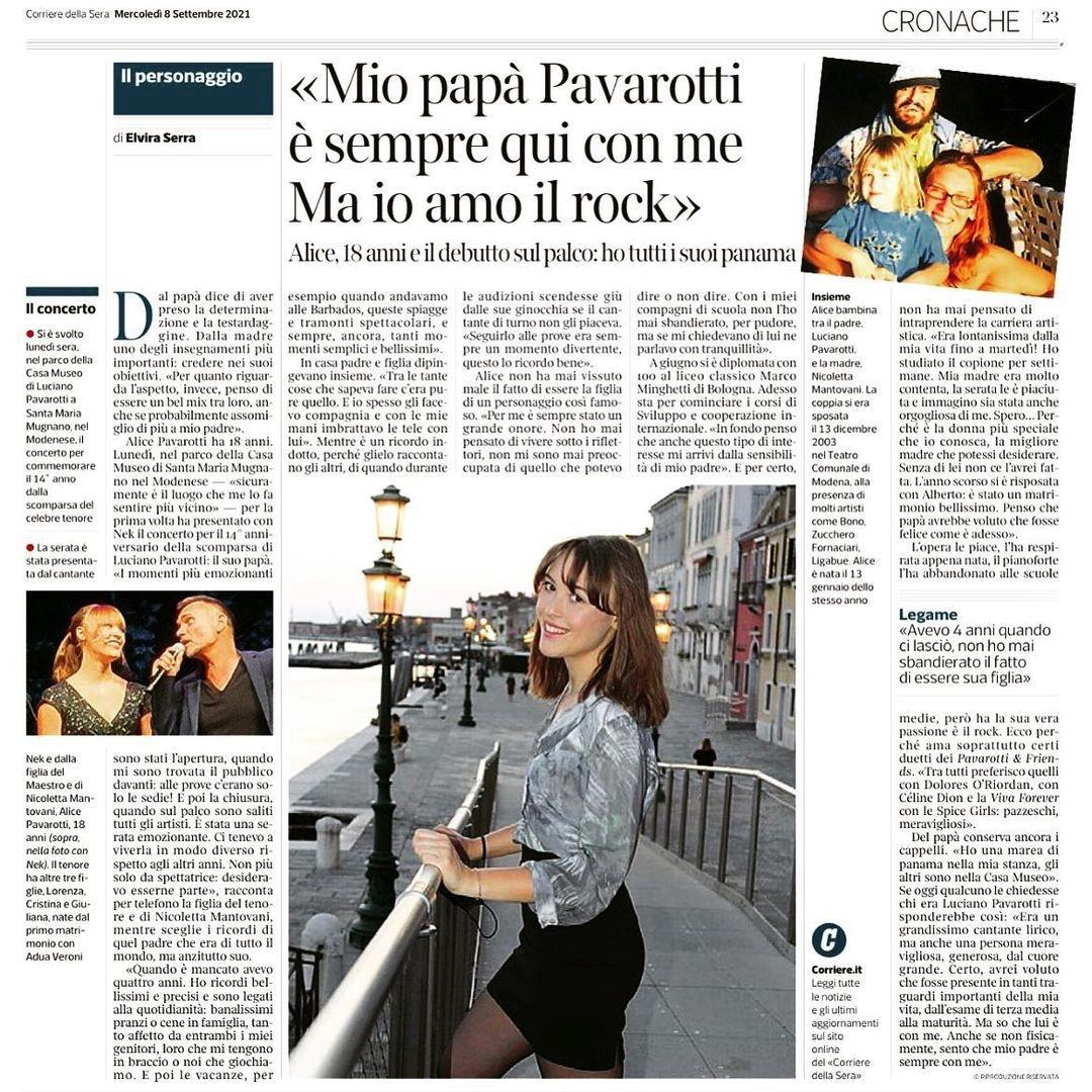 Alice Pavarotti sul palco per ia serata in onore di papà Luciano