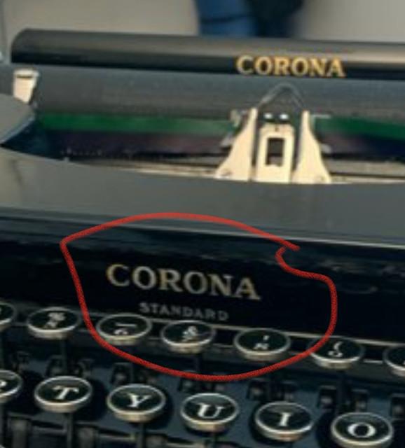 tom-hanks-typewriter-2.jpg