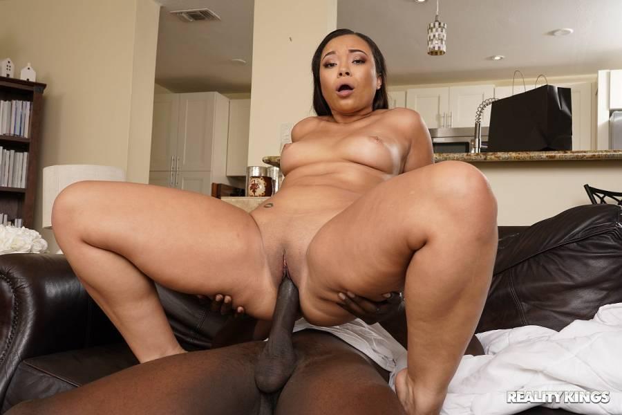 Adriana Maya, Jax Slayher – Peeping On The Hot Roommate – RK Prime – Reality Kings