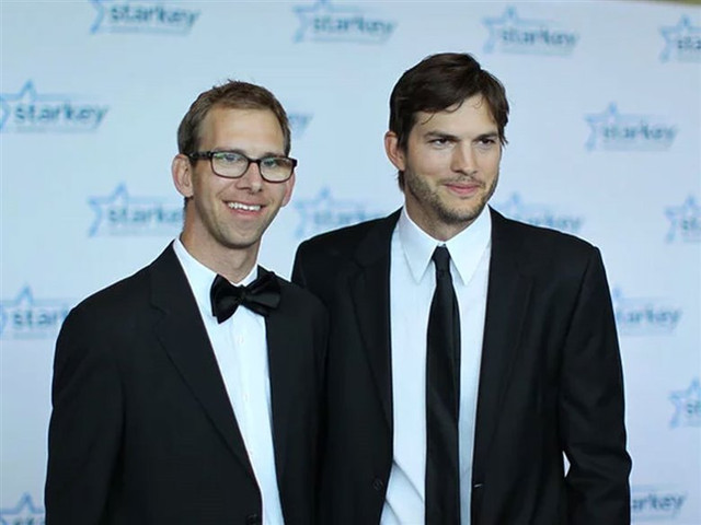 Ashton-Kutcher-hermano-gemelo