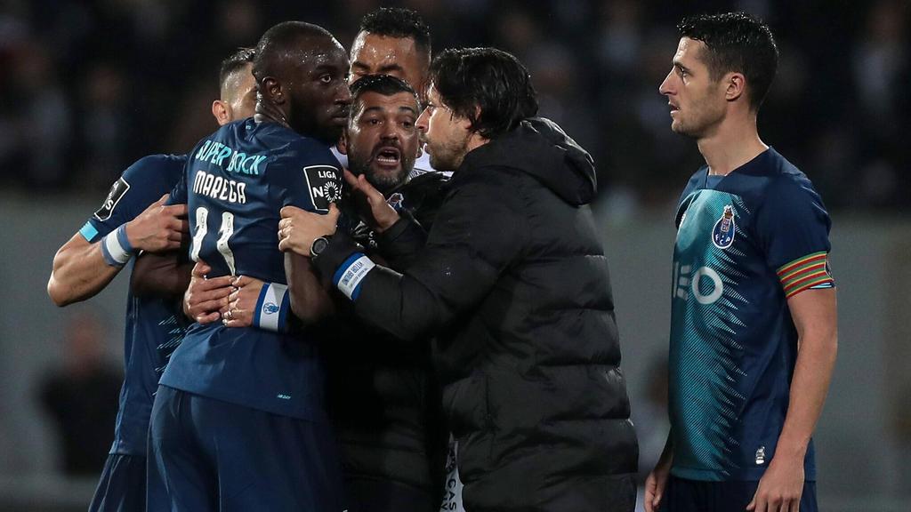 Расовая атака на футболиста-мусульманина| II