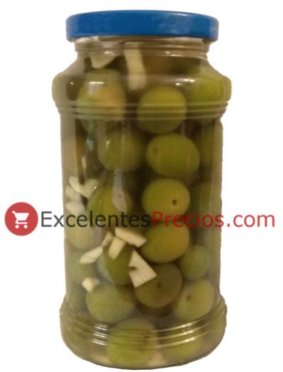 Aceitunas verdes aliñadas con ajo, tarro de aceitunas, aceitunas enteras con ajos