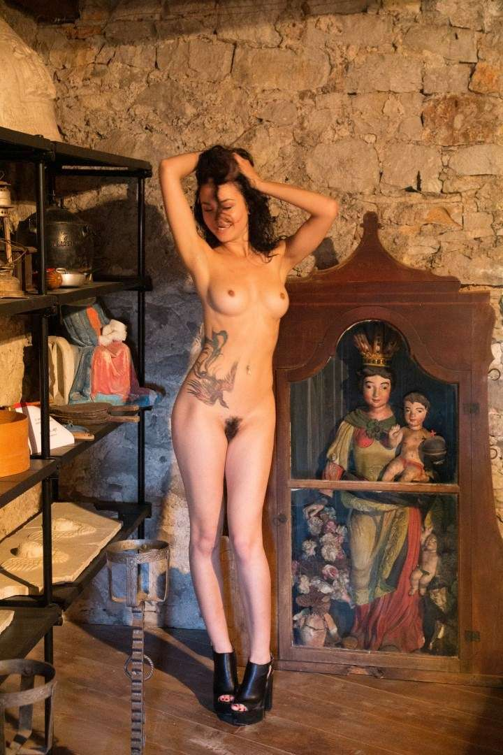 Fit-Naked-Girls-com-Martina-Tosi-nude-15
