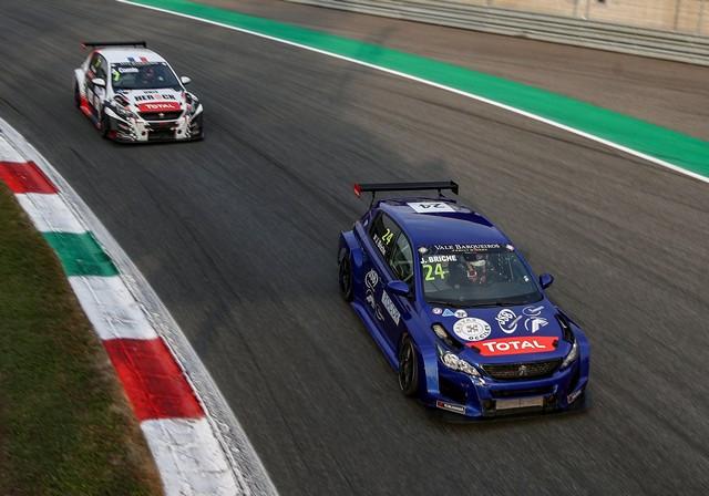 Retour En Piste Pour La Cmpetition Clients De Peugeot Sport... 48889896718-85ba24e0b3-o-1-0