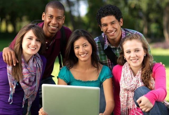 Học tiếng anh với người nước ngoài có nghĩa là bạn sẽ được sống trong môi trường 100% tiếng anh