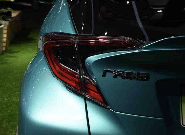 2016 - [Toyota] C-HR - Page 11 FC2-E3-EA4-2-D3-A-4-C71-B5-F9-D4-FCD8-B98986