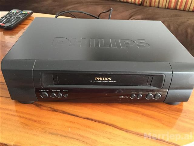 philips-VR-120-video-cassette-recorder