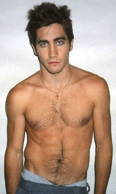 jake-gyllenhaal-in-low-waist-jeans-all-people-photo-u1