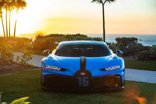Tournée exclusive aux États-Unis - La Chiron Pur Sport poursuit son voyage à travers la Californie 03-bugatti-newport-beach-pur-sport