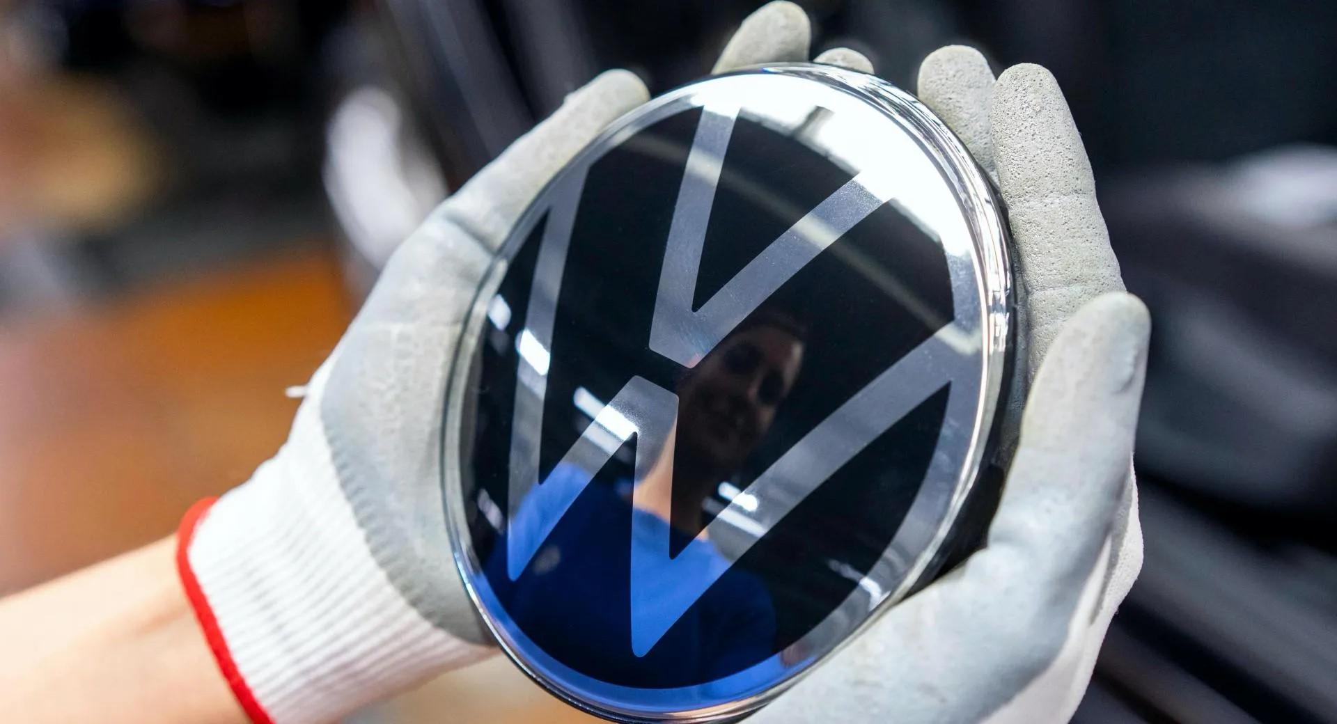 SNAŽNO PREBACIVANJE NA ELEKTRIČNI POGON! Volkswagen objavio da neće razvijati nove benzinske i dizelske motore!