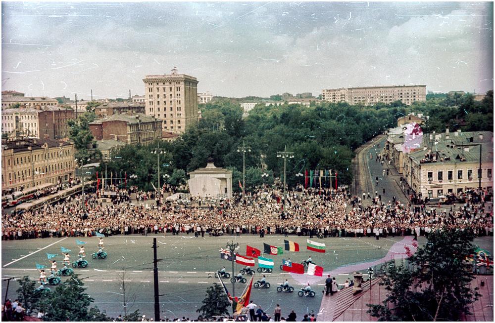 festival molodezhi studentov Moskva 1957.jpg 18