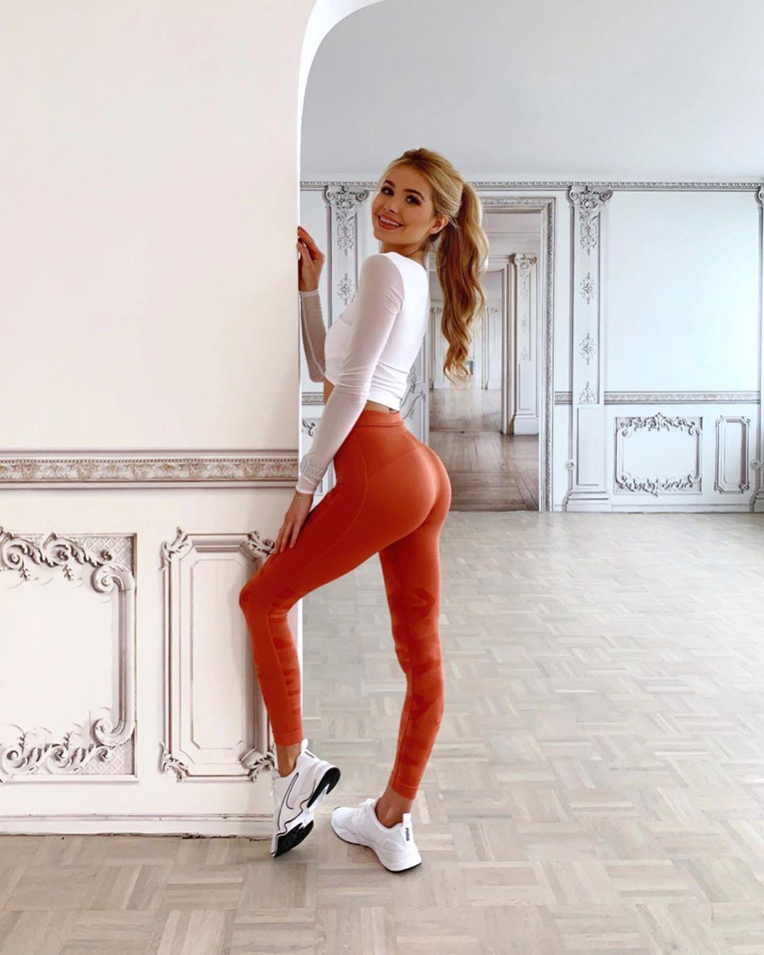Pamela-Reif-Wallpapers-Insta-Fit-Bio-7