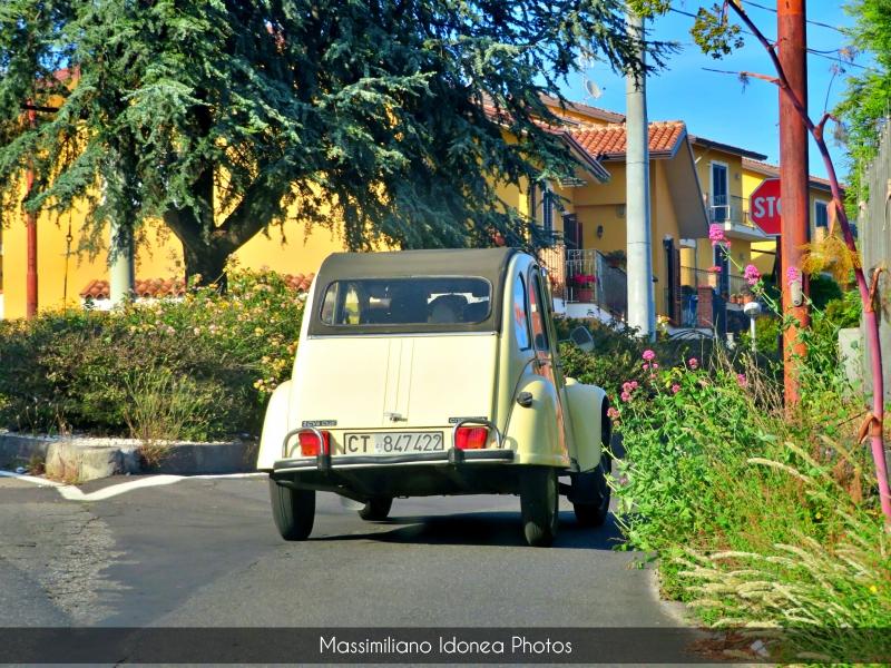 avvistamenti auto storiche - Pagina 8 Citroen-2cv6-Club-600-26cv-CT847422-2