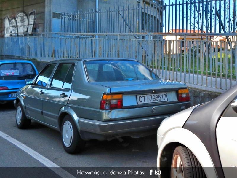 avvistamenti auto storiche - Pagina 39 Volkswagen-Jetta-GL-1-3-54cv-88-CT798517-59-050-22-5-2017-1