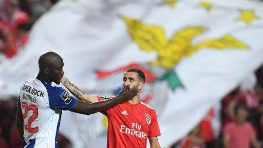 https://i.ibb.co/j66jRmc/Porto-Benfica.jpg