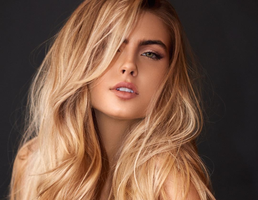 Kellie-Stewart-Wallpapers-Insta-Fit-Bio-5