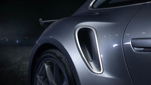 Haute performance sur terre et dans les airs: Porsche coopère avec Embraer EX22-V55-ID0006