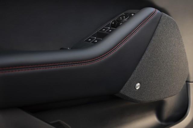 La Mustang Mach-E GT 100% électrique à l'assaut de l'Europe : tout simplement la meilleure accélération de sa catégorie  2020-FORD-MACH-E-GT-06