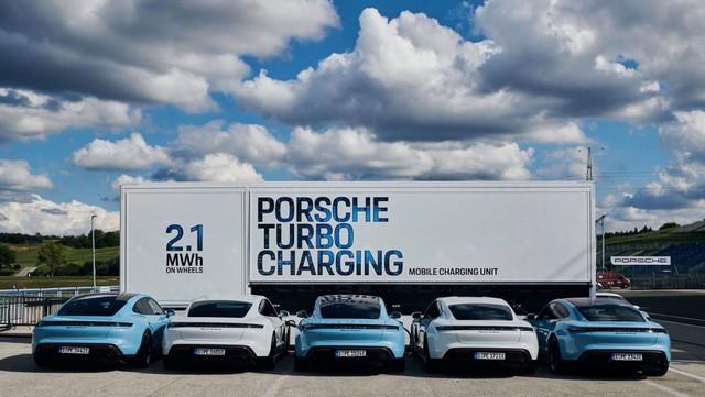 Les camions de charge haute puissance deviennent des sources d'énergie mobiles 3-DSC3200