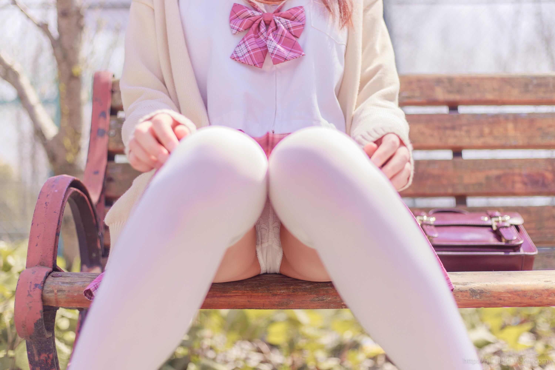 Tsubaki Album Vol 001 Pink Sailor suit & White knee socks 桜満開の季節 ピンク色に染めた学園 008