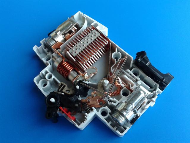 ABB SZ200 B16.jpg