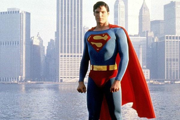 superman-o-filme-versao-de-3-horas-para-TV-plano-critico-600x400