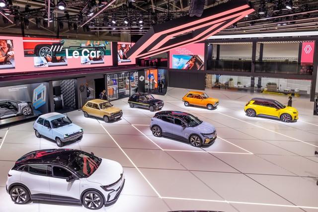 La Renault 5Prototype rencontre ses aïeules au salon de l'automobile de Munich Salon-IAA-de-Munich-2021-Renault-5-Prototype-et-Renault-5-1