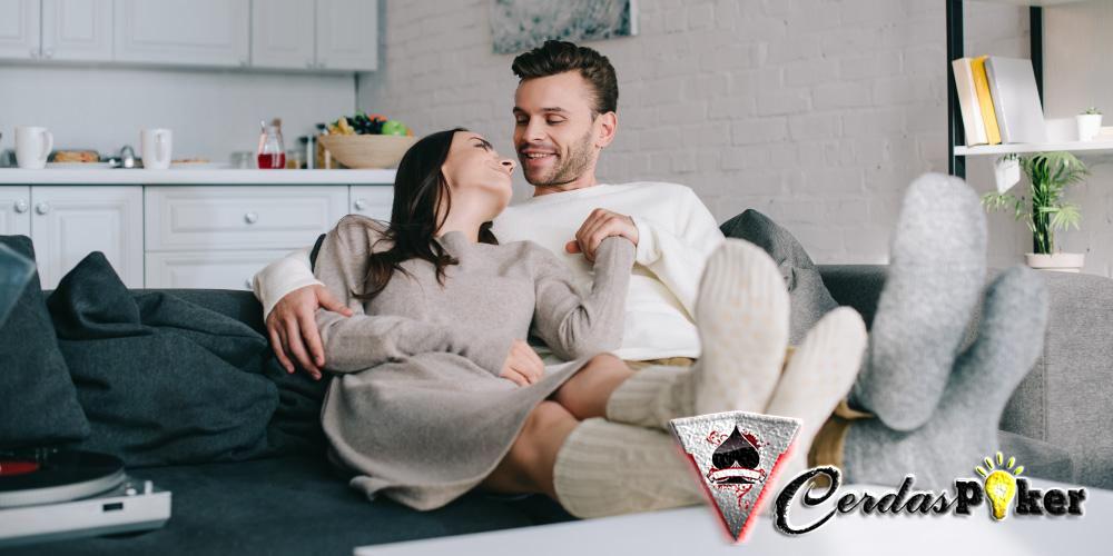 6 Manfaat Kelonan Bersama Pasangan dan Pilihan Posisinya yang Nyaman