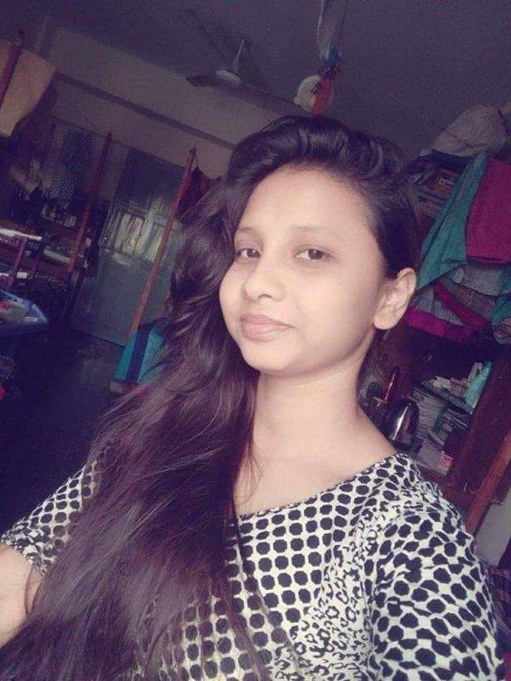 [Image: 2012241350-Bangladeshi-Teen-Girl-Nude-Ph...8647f4.jpg]