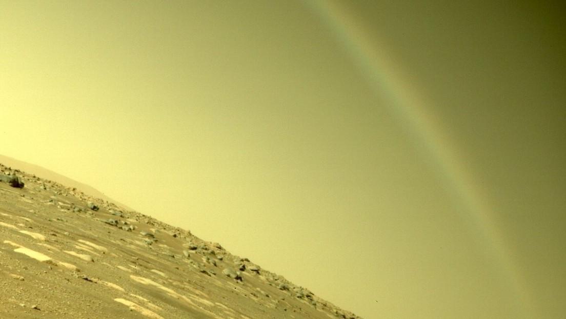 Arcobaleno fotografato da Perseverance su Marte, spiegazione NASA.