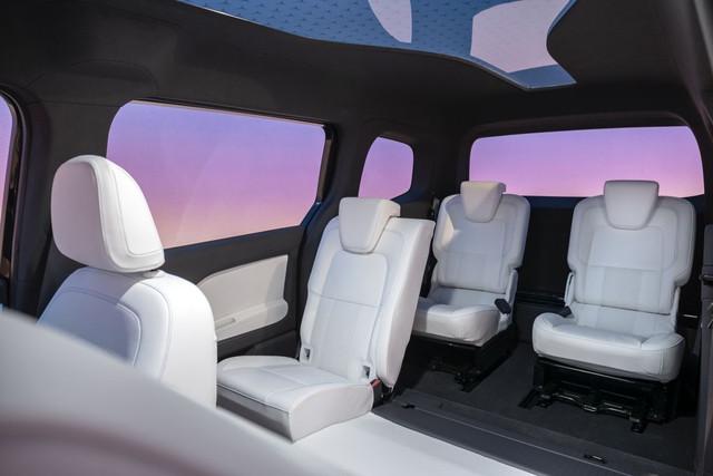 2021 - [Mercedes-Benz] EQT concept  6-F2-BC3-BC-31-AB-412-B-AB0-A-6-A6-ADA0-FB90-B