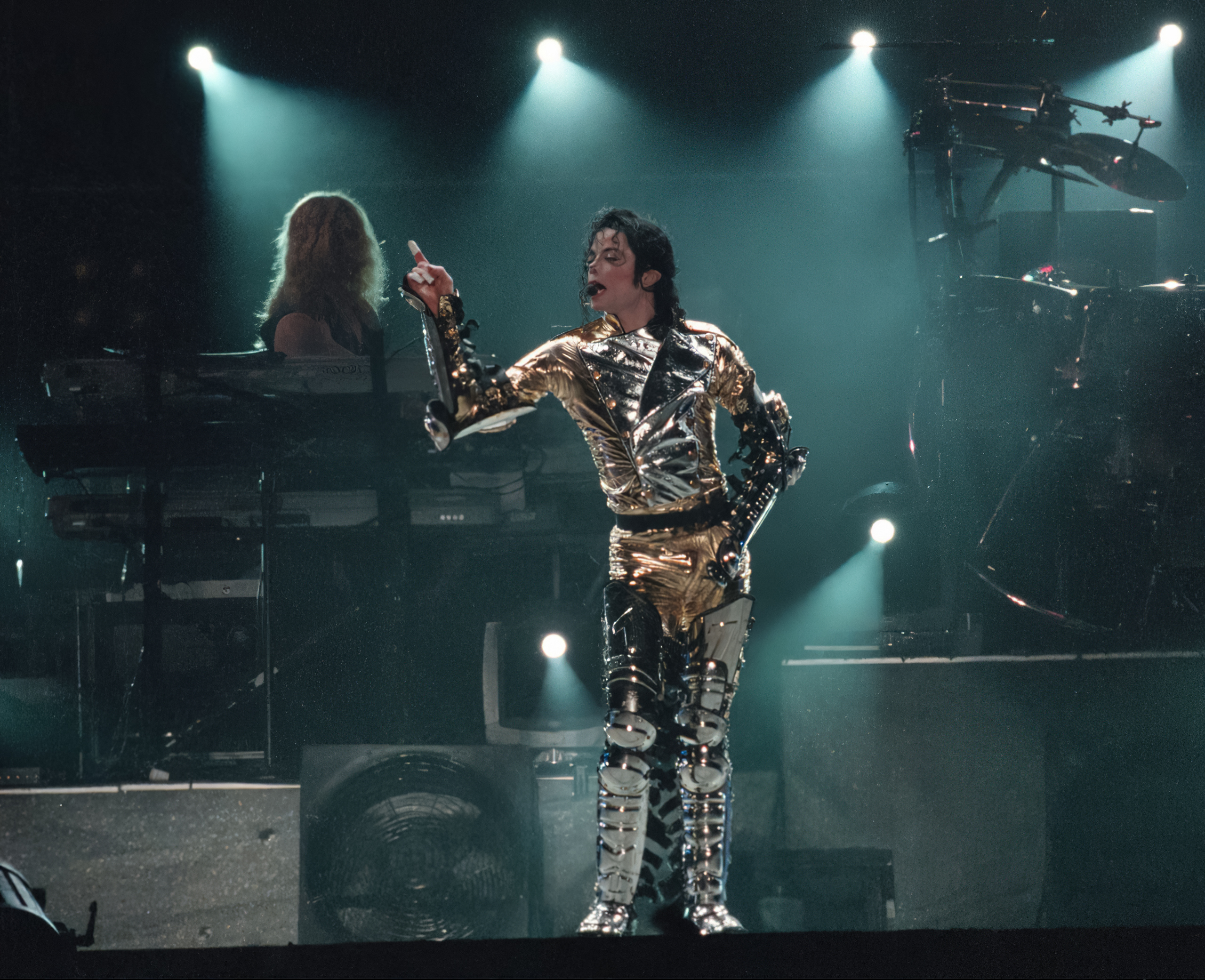 Michael-Jackson-performing-at-a-concert-in-Cape-Town-South-Africa11-10-97-Credit-WENN-PETER-MOREY.jpg