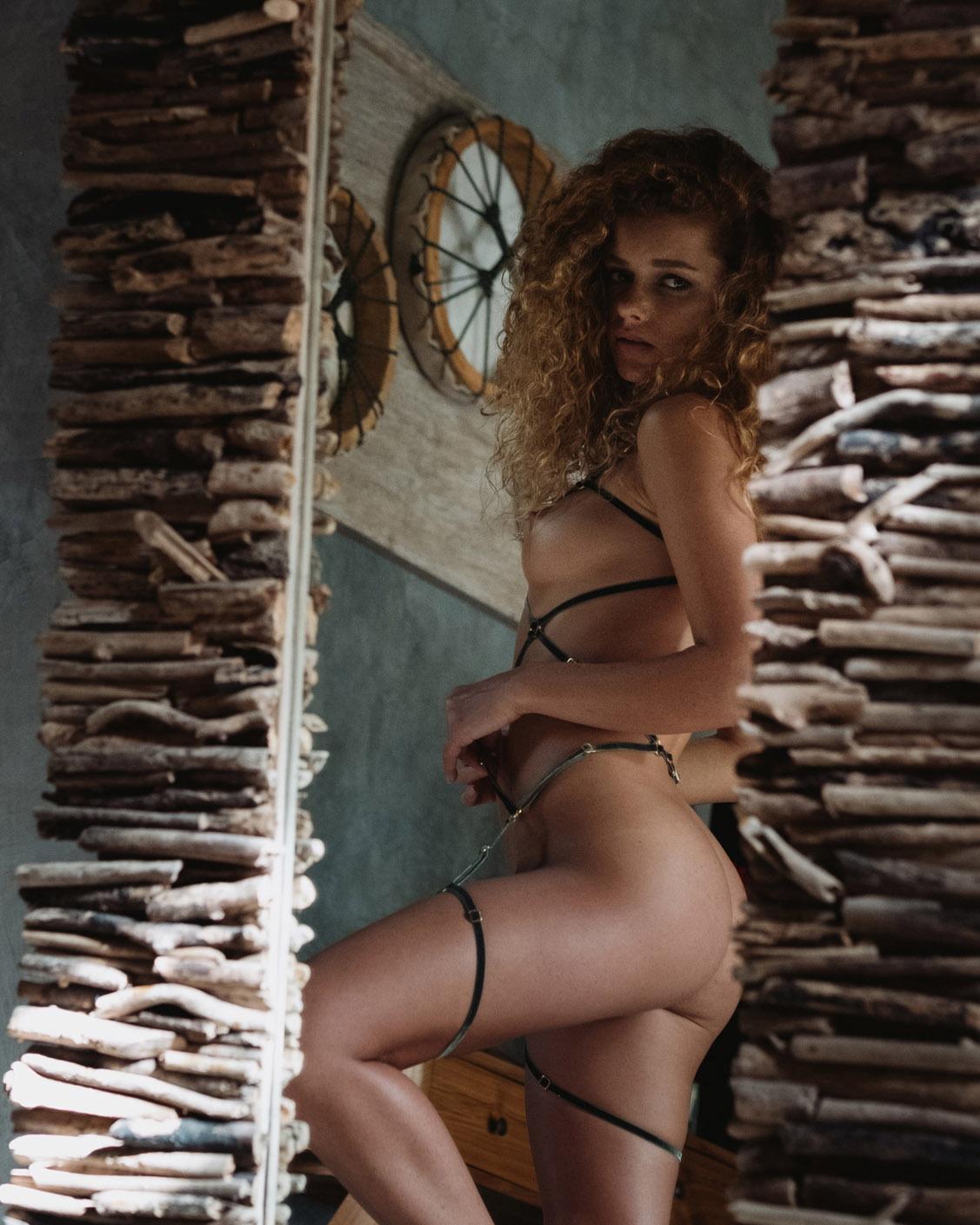 Юлия Ярошенко в сексуальном нижнем белье / фото 03