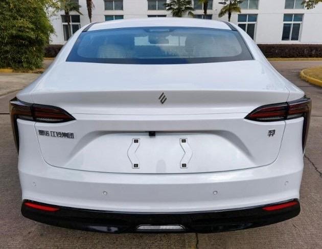 2022 - [Mobilize-Renault] The Queen E0-CD213-D-7-FD5-4886-9707-2-E57-FB4-DAE35