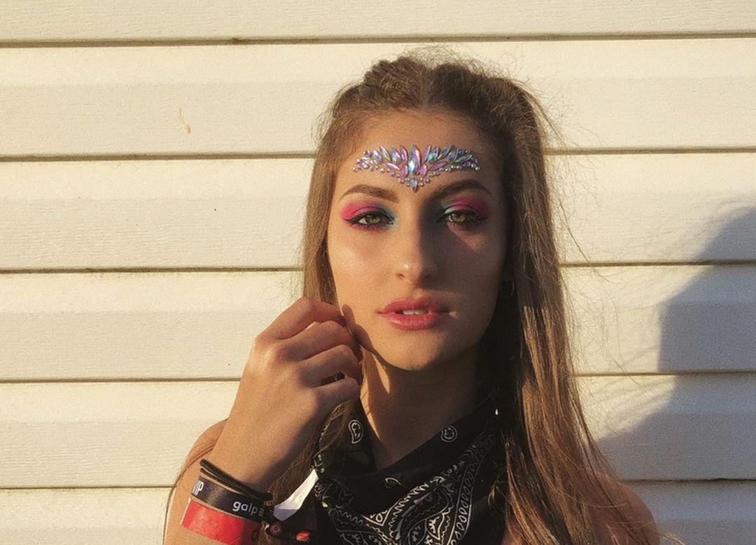 Paula-Curras-Wallpapers-Insta-Fit-Bio-6