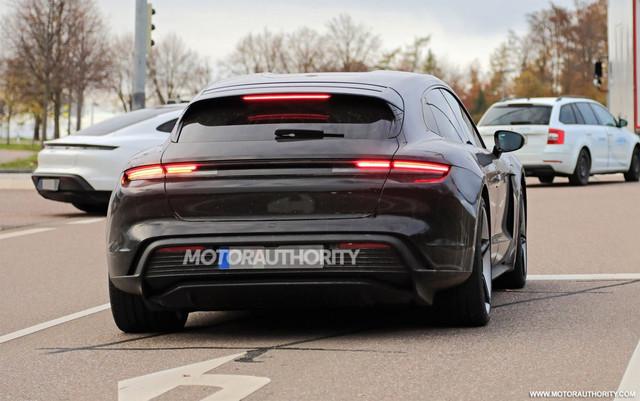 2020 - [Porsche] Taycan Sport Turismo - Page 3 067-BC96-C-AF93-4-C46-A1-F7-8-CA7-AD69255-F