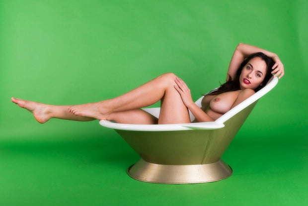 Voyeur-Flash-com-Sophie-Stage-nude-24