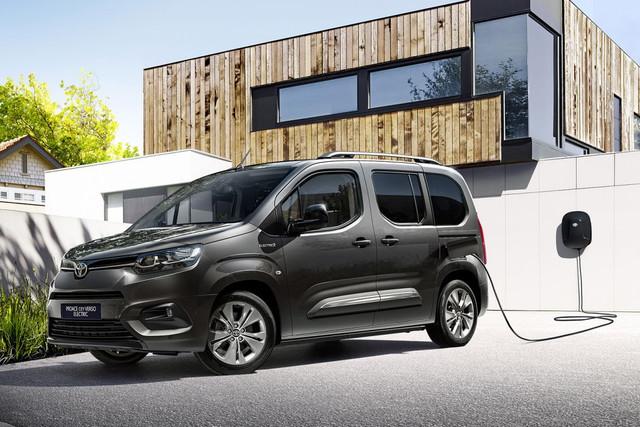 2018 - [Peugeot/Citroën/Opel] Rifter/Berlingo/Combo [K9] - Page 10 69-A1-FD6-B-6-DBD-4129-B584-7-A0-ADC4-E630-E