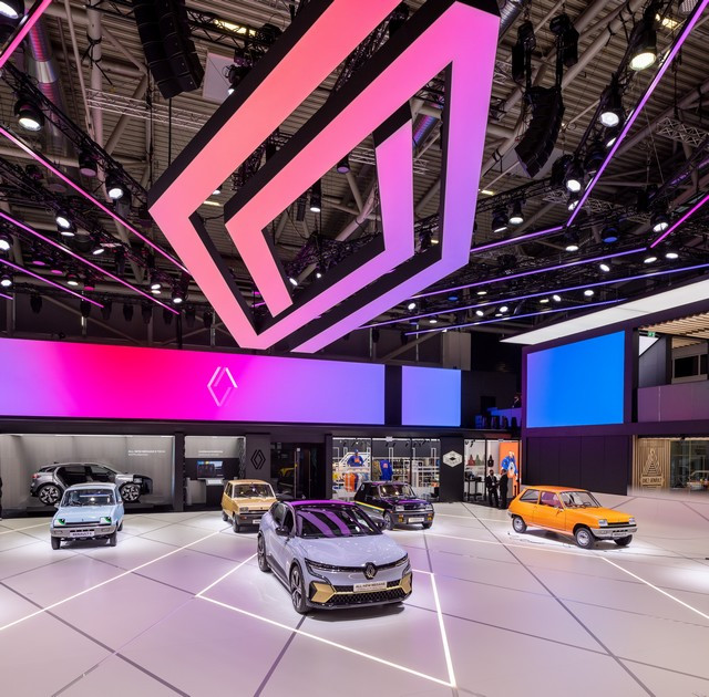 La Renault 5Prototype rencontre ses aïeules au salon de l'automobile de Munich Salon-IAA-de-Munich-2021-Renault-5-Prototype-et-Renault-5-10