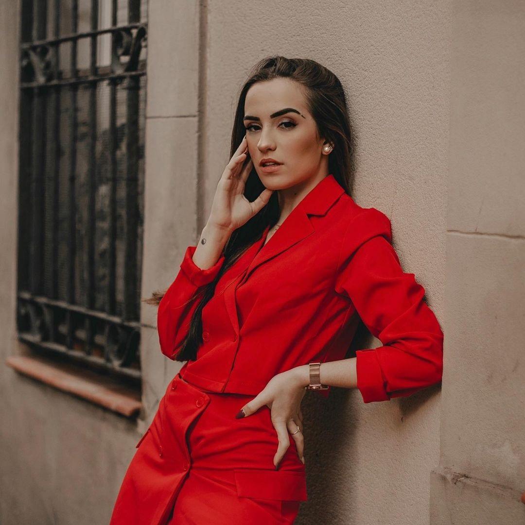 Lidia-Rauet-Wallpapers-Insta-Fit-Bio-9
