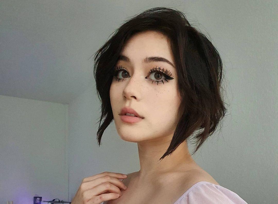 Jade-Anh-Wallpapers-Insta-Fit-Bio-4