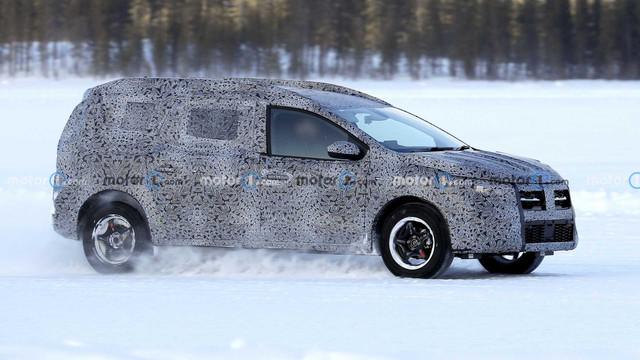 2022 - [Dacia] Jogger 3-C33-C9-AF-33-E5-4138-8-D94-69-C162296-ED8