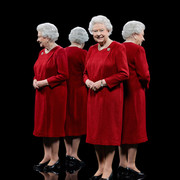 queen-elizabeth-ii-mirrors