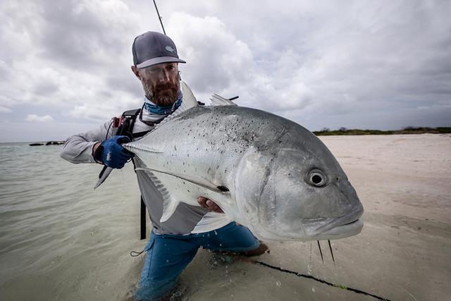 kanton-atoll-gt-giant-trevally-fly-fishing-kiribati-14
