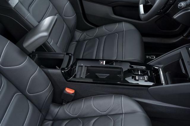 2020 - [Citroën] C4 III [C41] - Page 34 94-DBD060-56-B2-456-A-923-F-27-C260-A612-E3