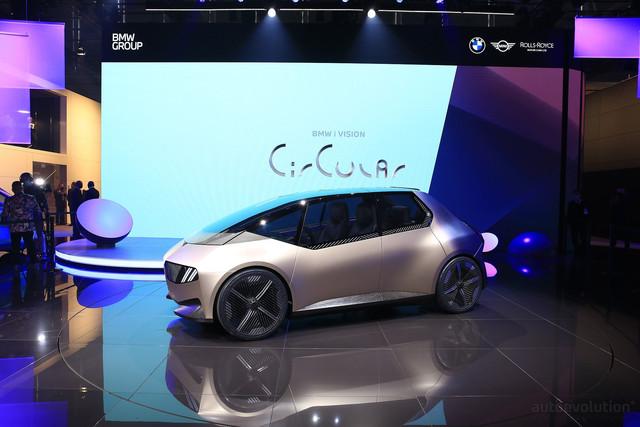 2021 - [BMW] Vision Circular  - Page 2 42-E5528-C-067-D-4-B48-8-D44-5-F8-D225-EE76-C