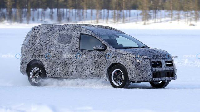 2022 - [Dacia] Jogger E3296-A02-D873-4-B11-92-E0-924964-F85-D21