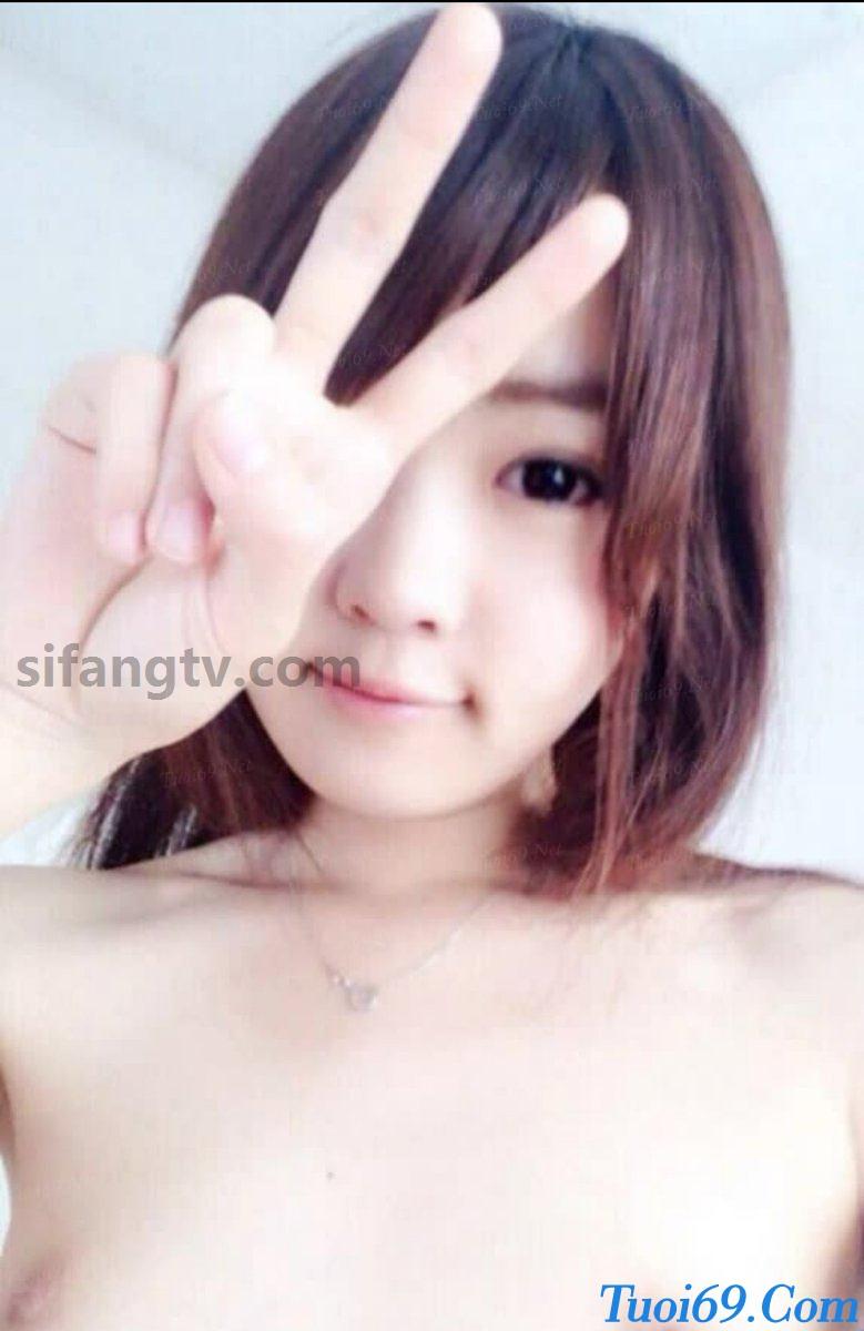 Wuhan-University-sister-Xiao-Weiwei-uniforms-seduced-19
